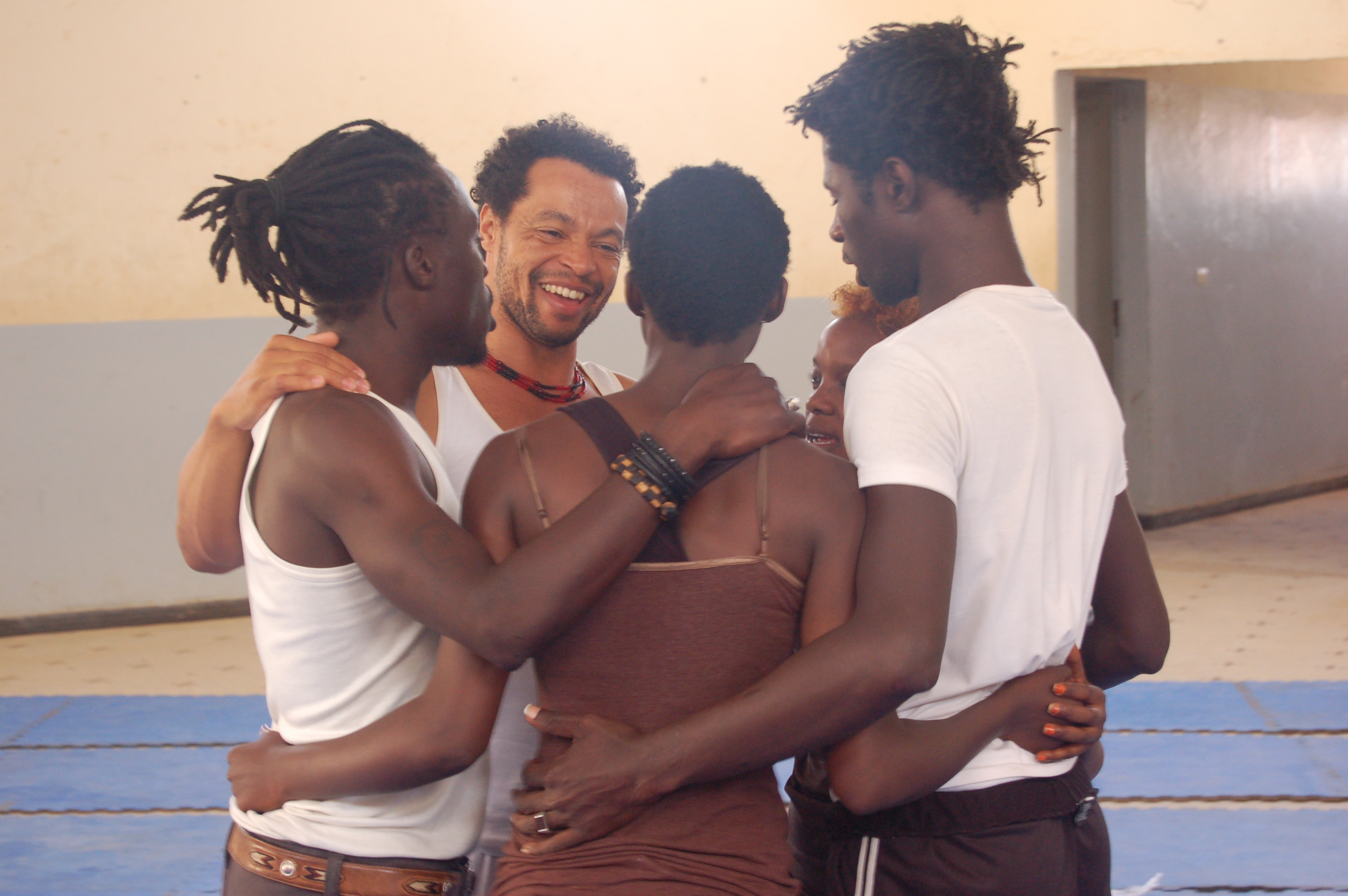Dancers of 1er Temps with Benjamin Abras, Ouakam, May 2014